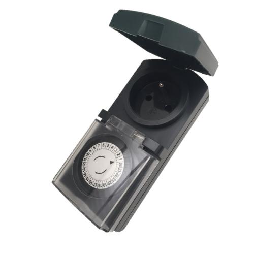 Spínací zásuvka/spínací hodiny IP44 EMOS P5508
